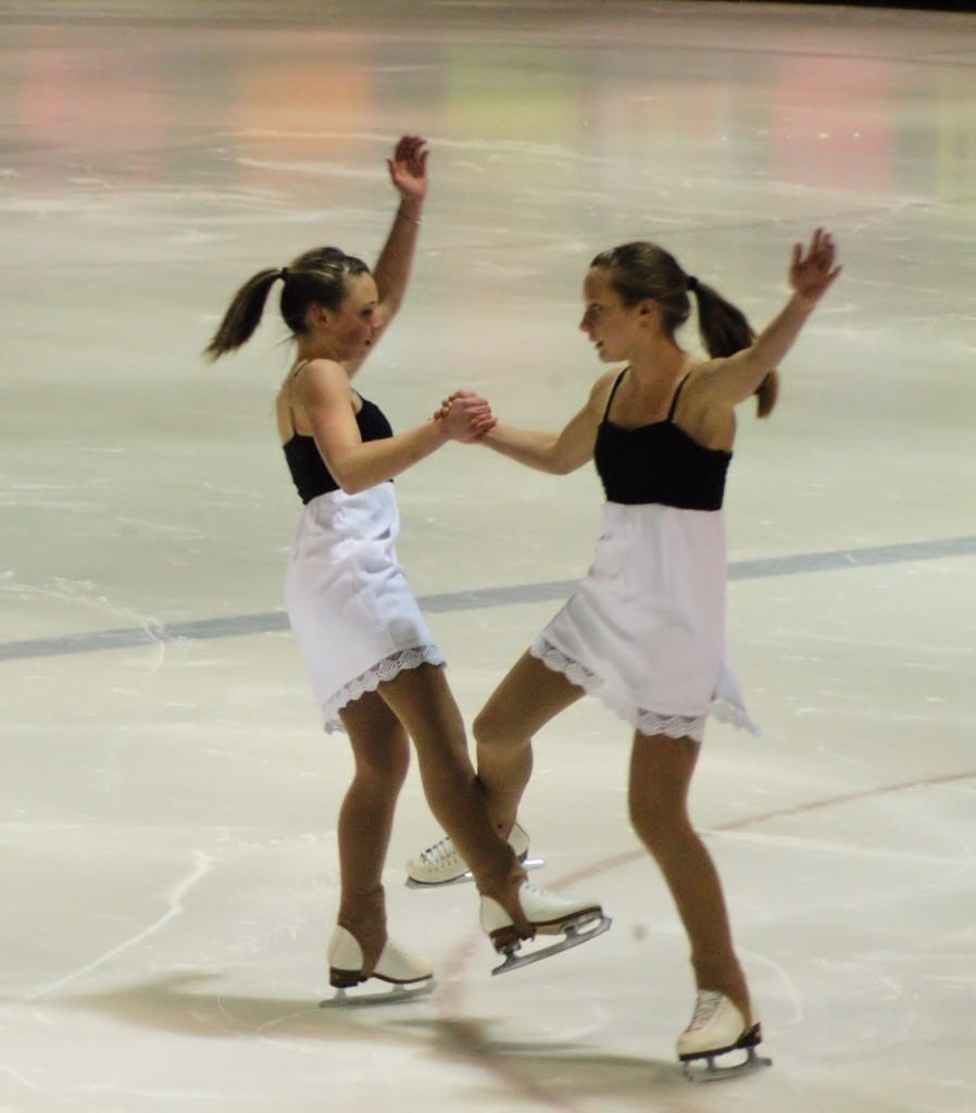figure skating duo
