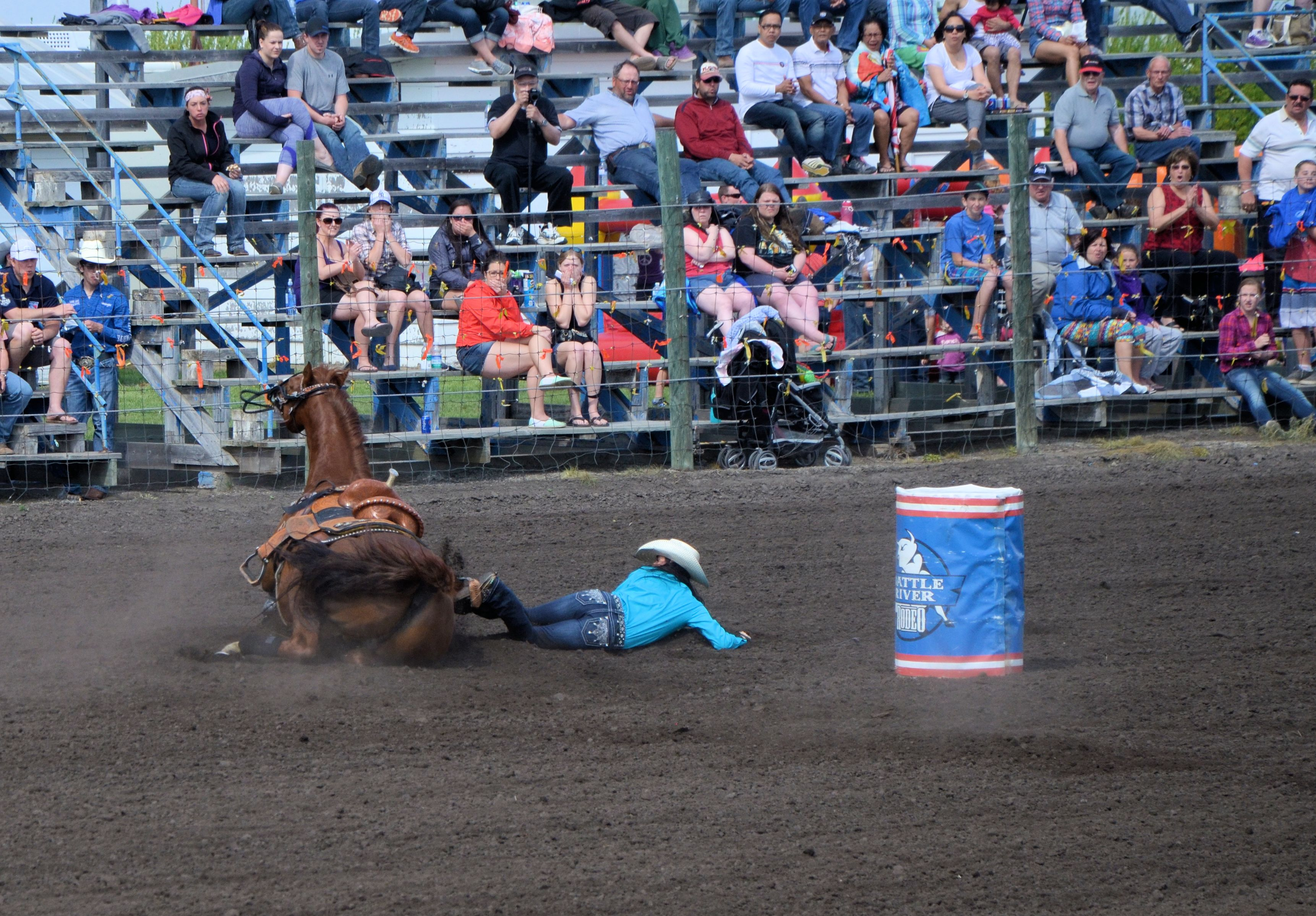 rodeo horse down2
